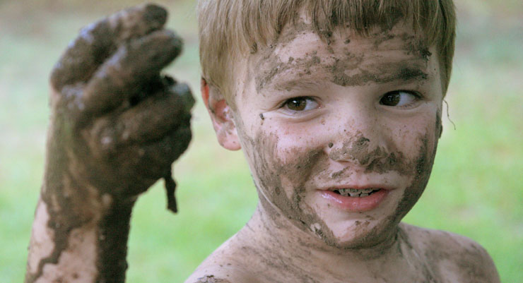 playing in the mud strengthens the immune system